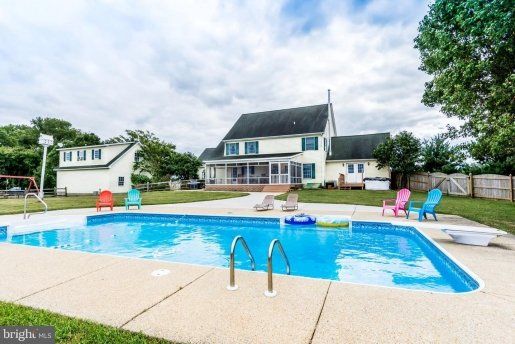 chestertown pool house